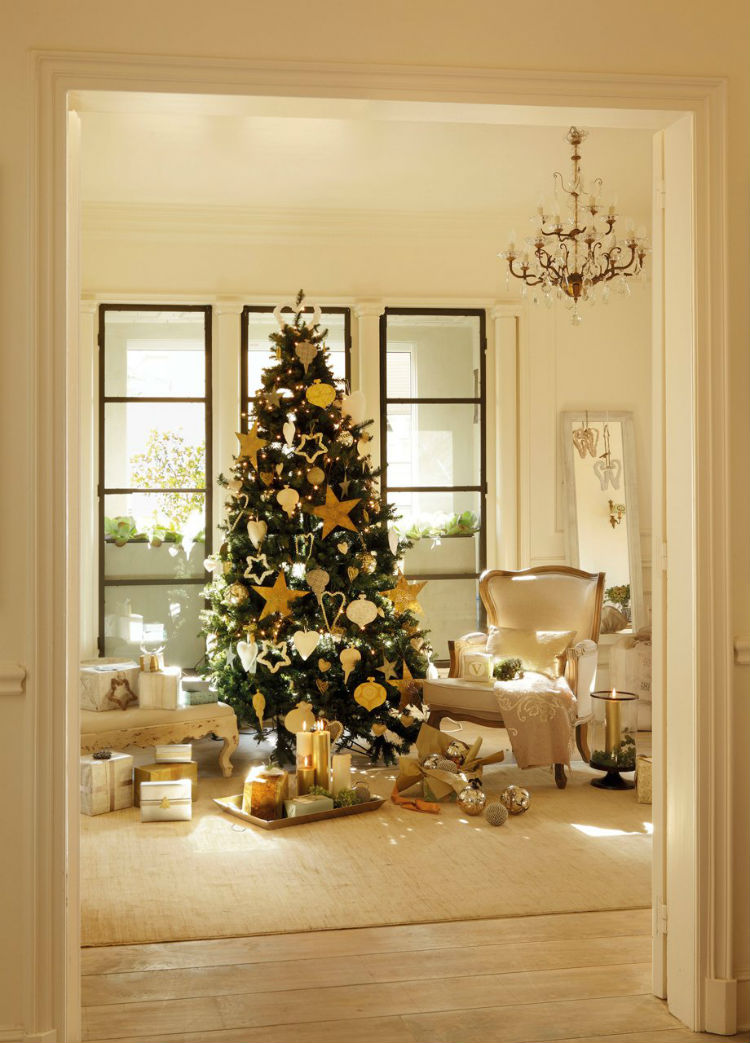 i hope that this article could inspire you and give you good ideas to your christmas home or office decoration - Celebrities Christmas Decorated Homes