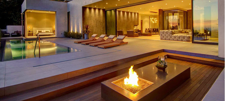 stunning luxury exterior fireplaces7