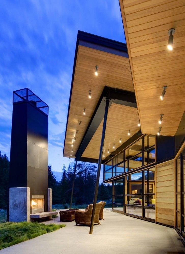 stunning luxury exterior fireplaces7